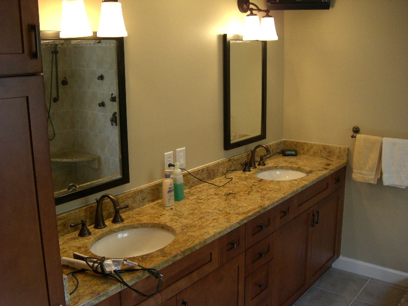 Bathroom remodeling by cabinets by cantu macomb county for Bath remodel wyoming mi